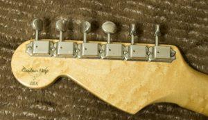 クリーニング後のギター2